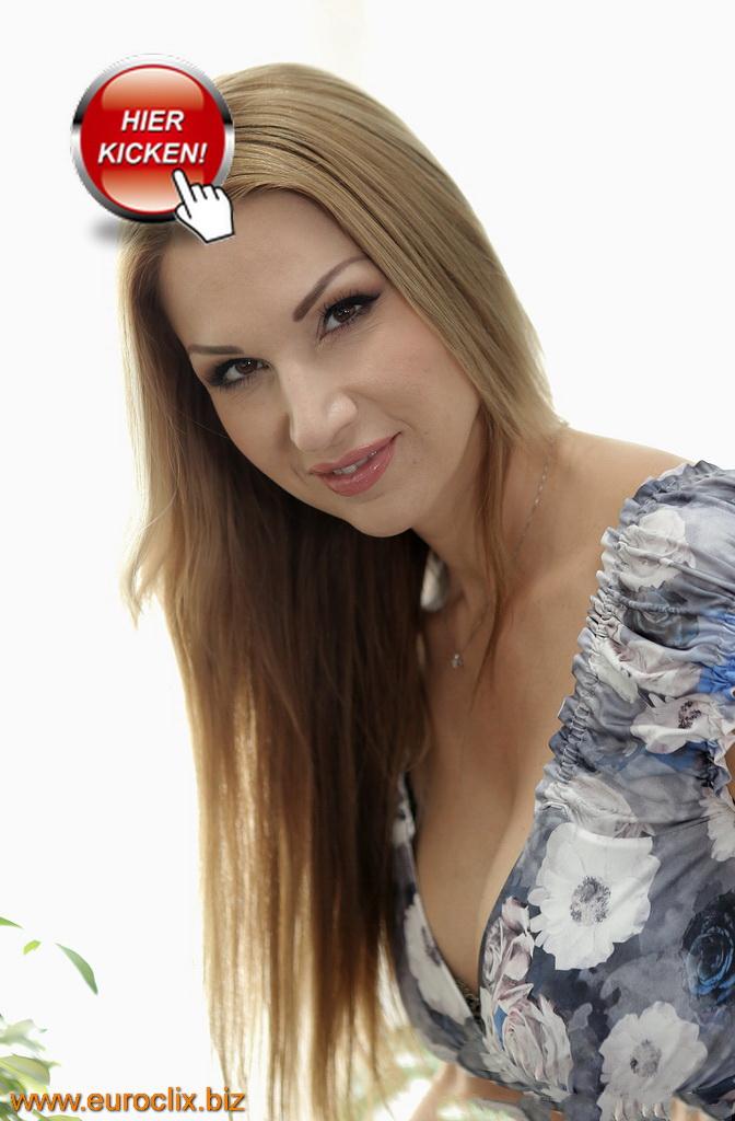 Die blonde Hausfrau Gaby aus Hannover sucht einen Mann.