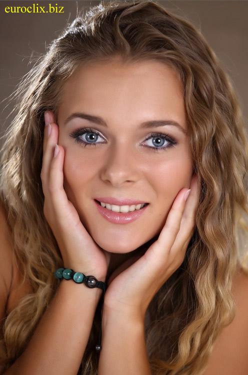 Attraktive Blondinen wie Larissa sucht Singles aus Erfurt.